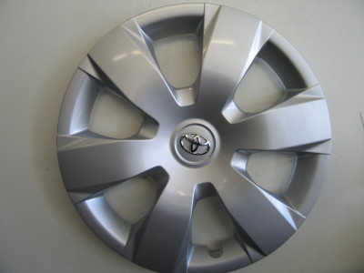 06-07 Camry hubcaps