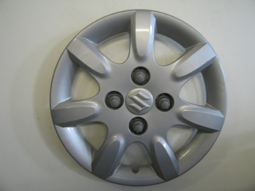 04-05 Forenza hubcaps