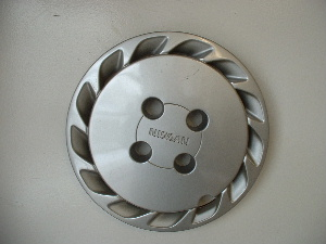 89-92 Stanza hubcaps