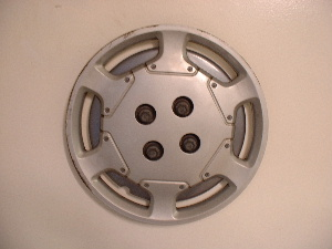 "91-95 Saturn 14"" hubcaps"