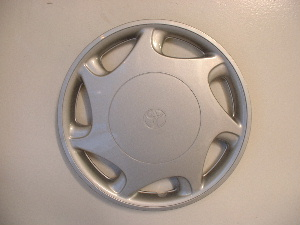 97-99 Camry hubcaps