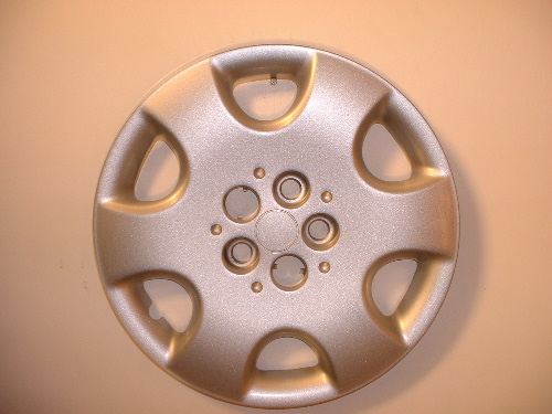pt cruiser hubcaps pt cruiser chrome wheel covers. Black Bedroom Furniture Sets. Home Design Ideas
