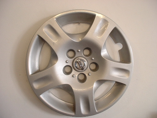 02-04 Altima wheel covers