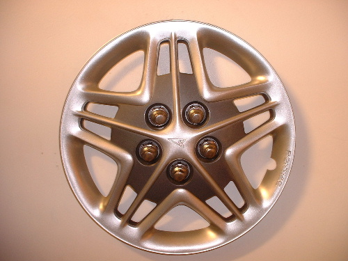 05-06 Bonneville wheel covers