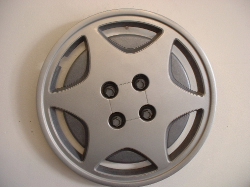 "93-95 Saturn 15"" hubcaps"