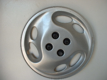 "94-96 Saturn 15"" hubcaps"