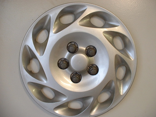 "00-02 Saturn L 15"" wheel covers"