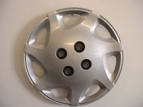 "00-01 Saturn S 14"" wheel covers"
