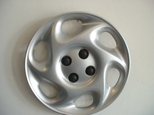 "01-02 Saturn S 15"" wheel covers"
