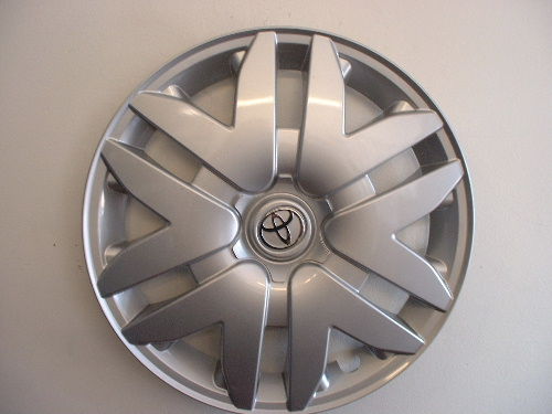 03-07 Sienna hubcaps